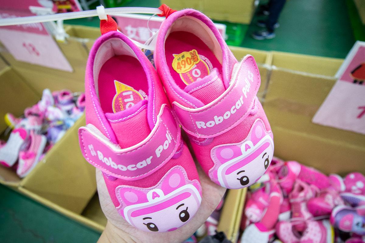20190509164208 19 - 熱血採訪│2019大雅特賣會開始囉,只有11天,國際運動品牌,大人鞋款、童鞋、運動品牌服飾開賣